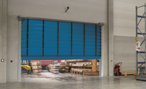 La gamma Hörmann di soluzioni per l'industria si amplia con una nuova linea di porte rapide ad impacchettamento