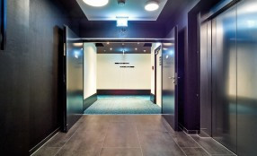 Porte Hörmann per l'albergo Motel One nell'Upper West Tower a Berlino